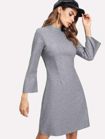 Vestito in misto lana con colletto