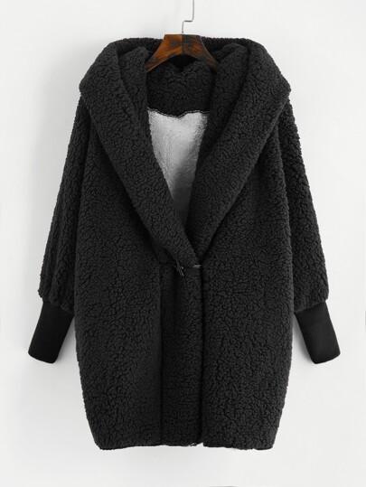 Cappotto in pelliccia sintetica con cappuccio