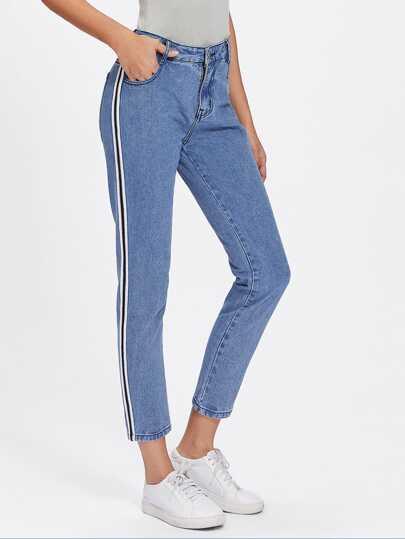 Jeans mit Streifen auf den Seiten