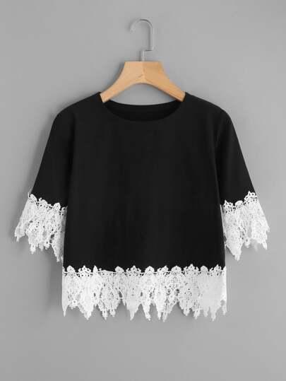 Tee-shirt découpé contrasté en crochet