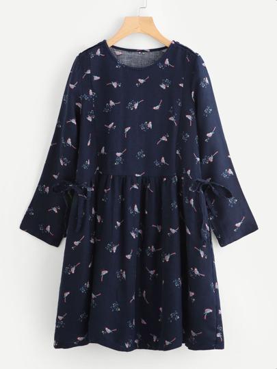 Vestido con pájaro y lazo para atar