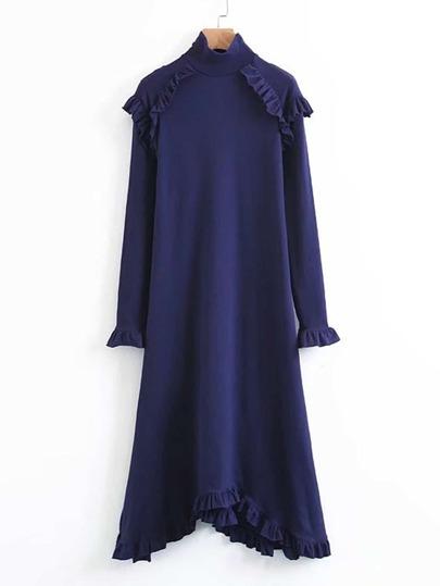 Robe découpée avec des plis
