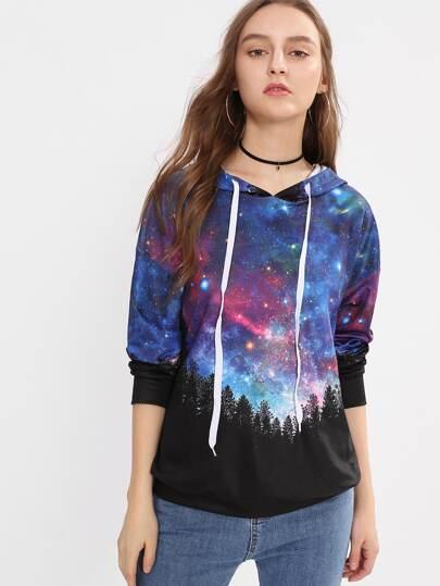 Hoodie mit Galaxis und sehr tief angesetzter Schulterpartie
