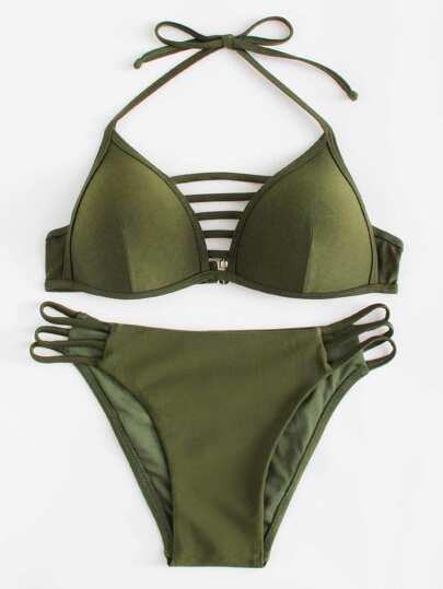 Conjunto de bikini halter con aberturas en la parte lateral