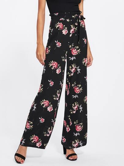 Hosen mit Falten um die Taille, Blumen und weitem Beinschnitt