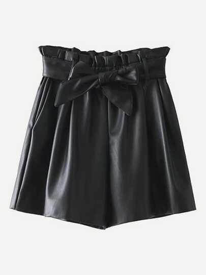 Shorts taille ruchée en PU avec ceinture
