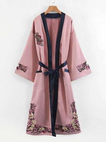 Kimono long avec applique de fleur et lacet