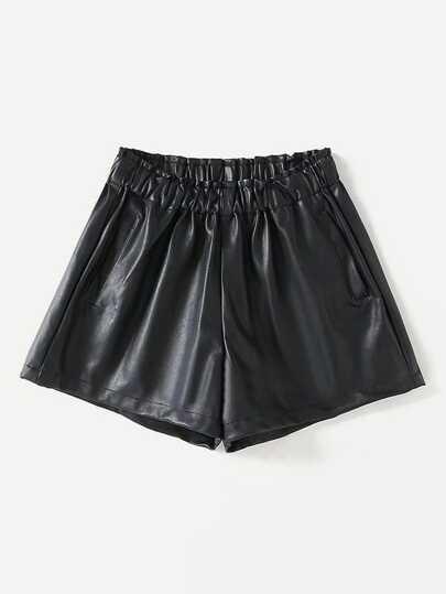 Pantaloncini in PU con fronzolo in vita