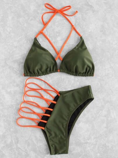 Set de bikini con abertura con tiras cruzadas