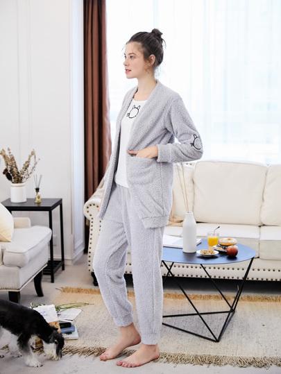 Conjunto de pijama plush con bordado de gato