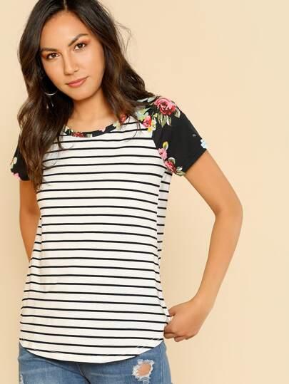T-shirt a strisce con maniche raglan floreale