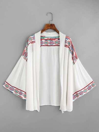 Kimono brodé géométrie