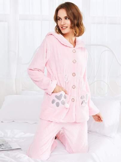 Conjunto de pijama con capucha