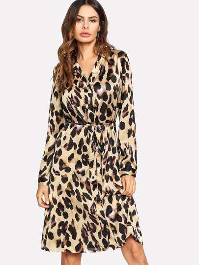 Vestido camisero de leopardo con cinturón