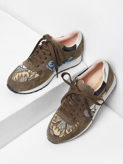 Zapatillas arriba baja con cordón