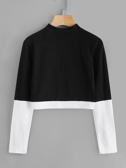 Camiseta con cuello alzado en color block