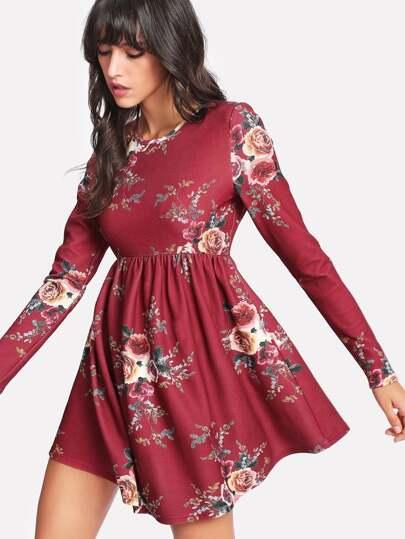 Vestito con stampa di fiore