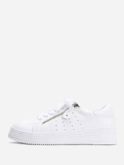 Chaussures de sport avec lacet