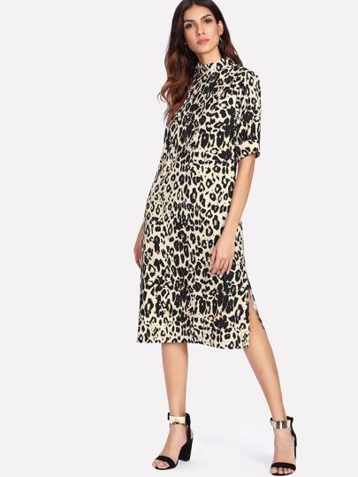 Vestido leopardo con abertura lateral