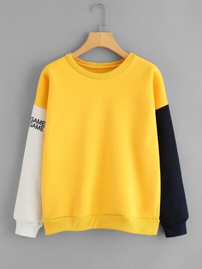 Sweat-shirt manche contrastée imprimé des lettres