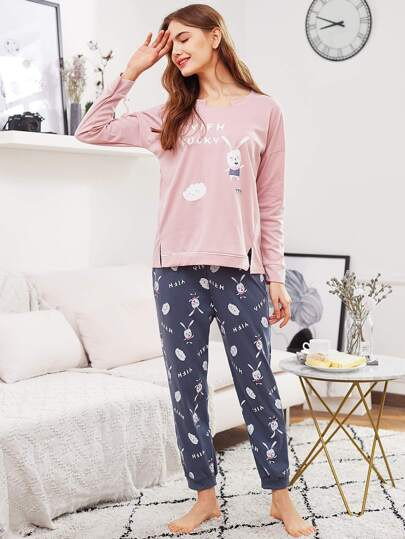 Conjunto de pijama con conejo