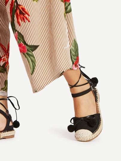 Chaussures plates avec pompon & nœud