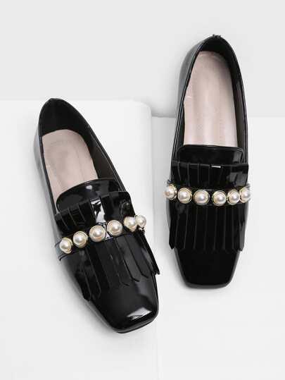 Chaussures plates avec bout carré avec frange & perle fausse