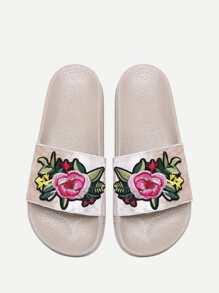 Модные бархатные тапочки с цветочной аппликацией