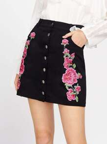Buttoned Up Symmetric Flower Embroidery Skirt