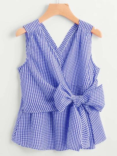 Bluse mit V-Ausschnitt und Schleife