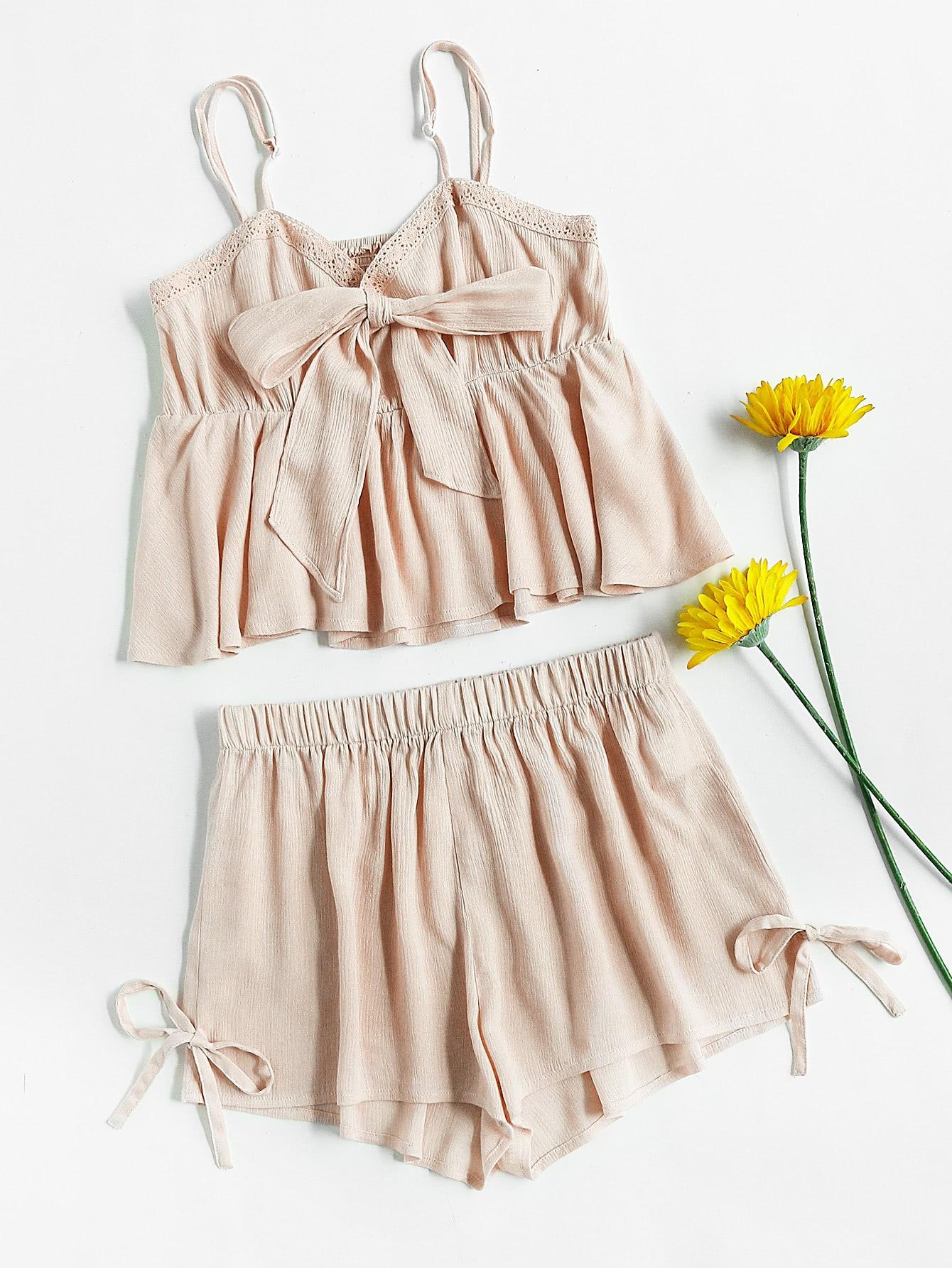 Фото Lace Trim Bow Front Smocked Cami & Shorts Pajama Set. Купить с доставкой