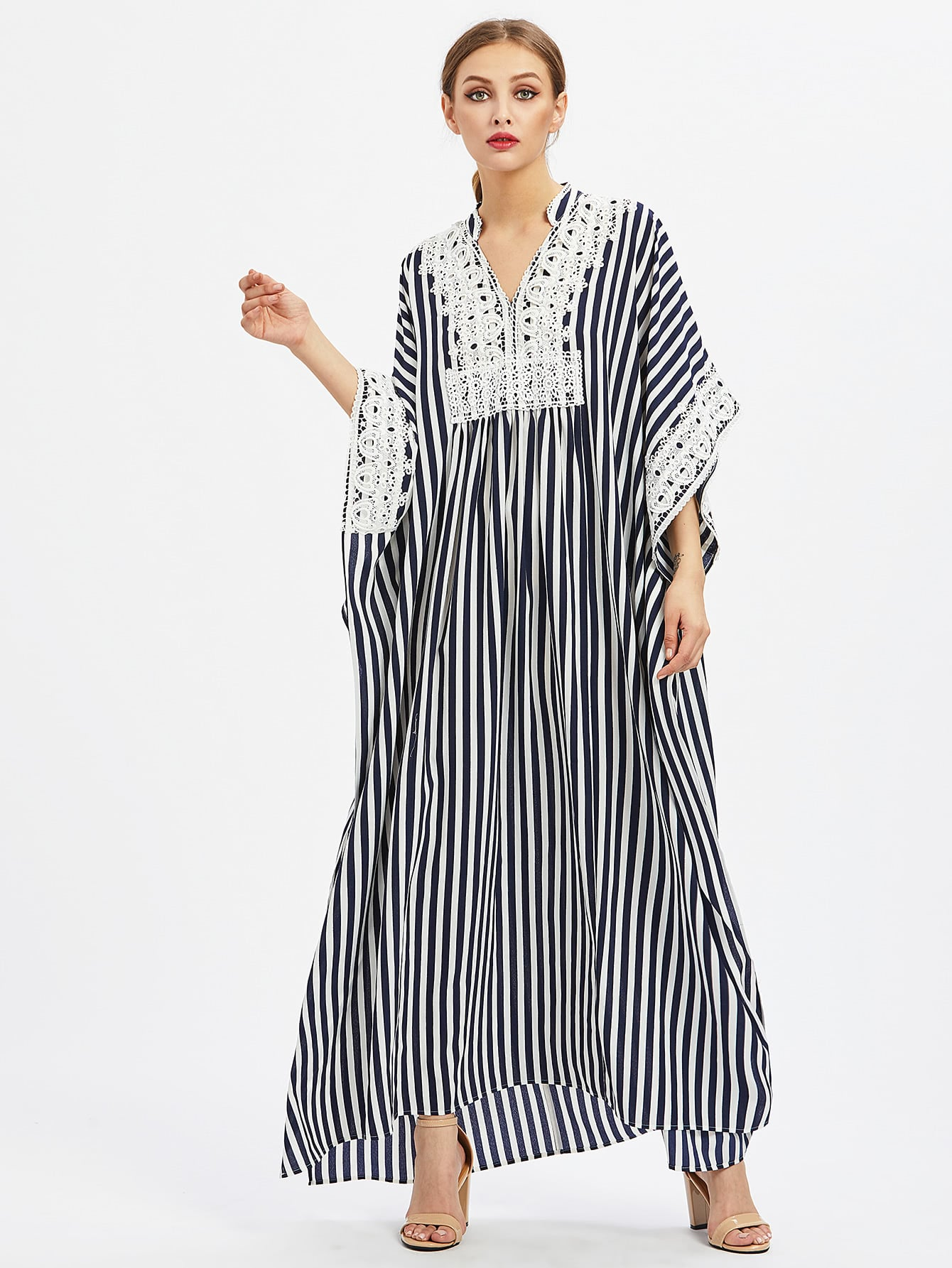 Фото Lace Applique Side Slit Poncho Dress. Купить с доставкой