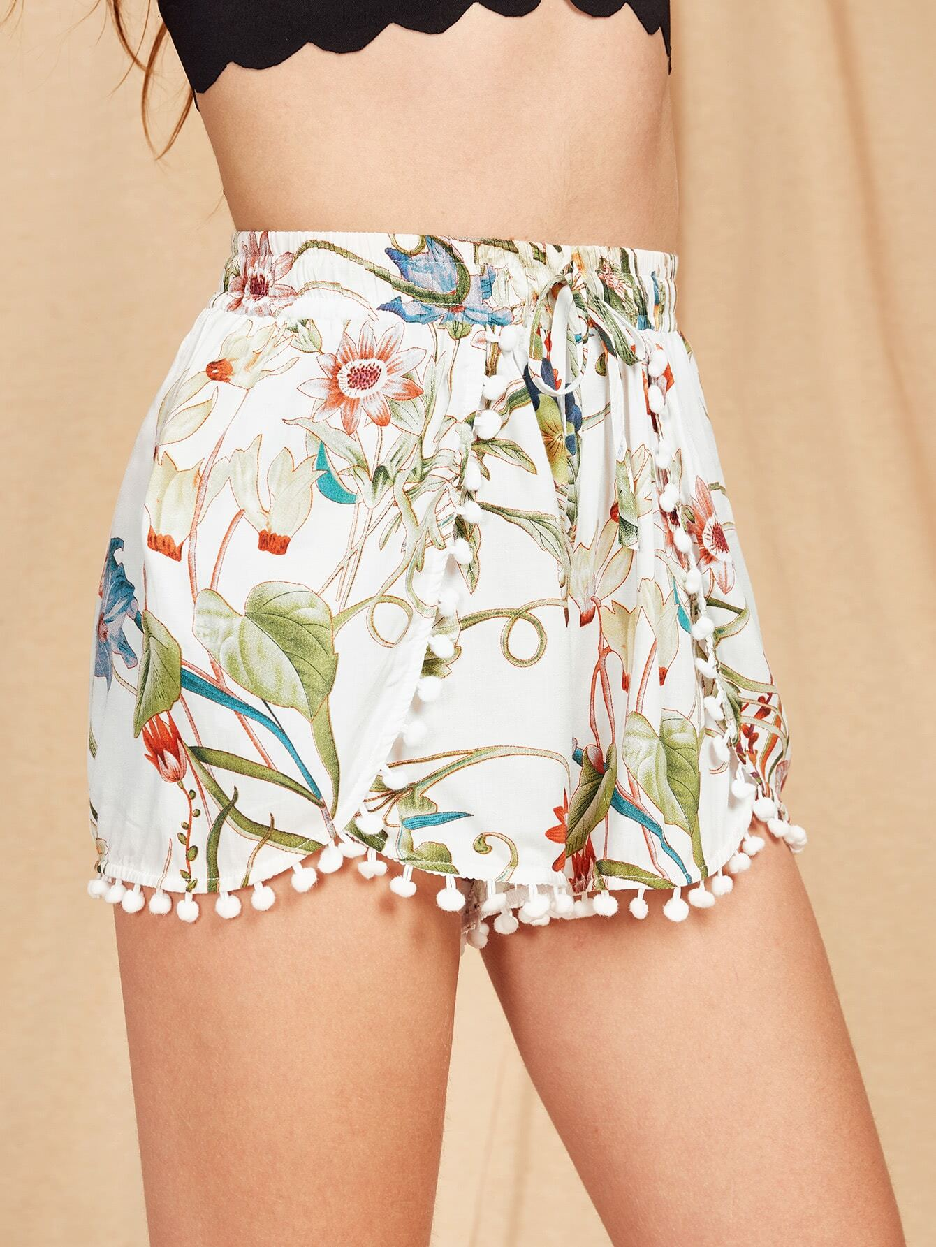 Фото Pom Pom Trim Botanical Wrap Shorts. Купить с доставкой