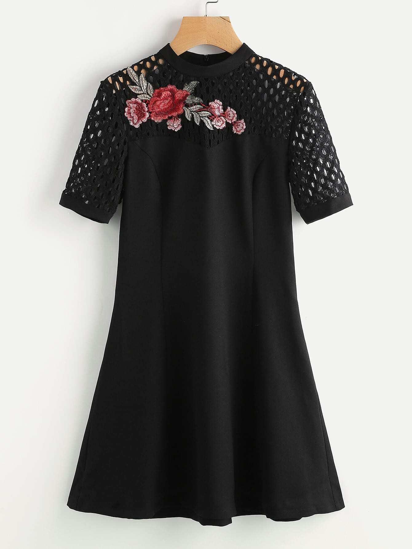 Фото Flower Patch Eyelet Shoulder Princess Seam Dress. Купить с доставкой