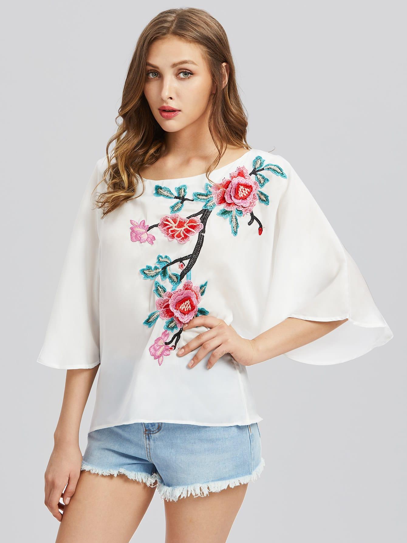 Фото Flower Blossom Applique Fluted Sleeve Top. Купить с доставкой
