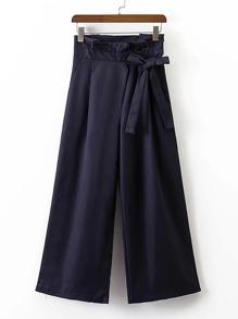 سروال واسع الساق مزين بربطة الفراشة