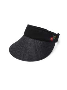 Модная шляпа с цветочной вышивкой