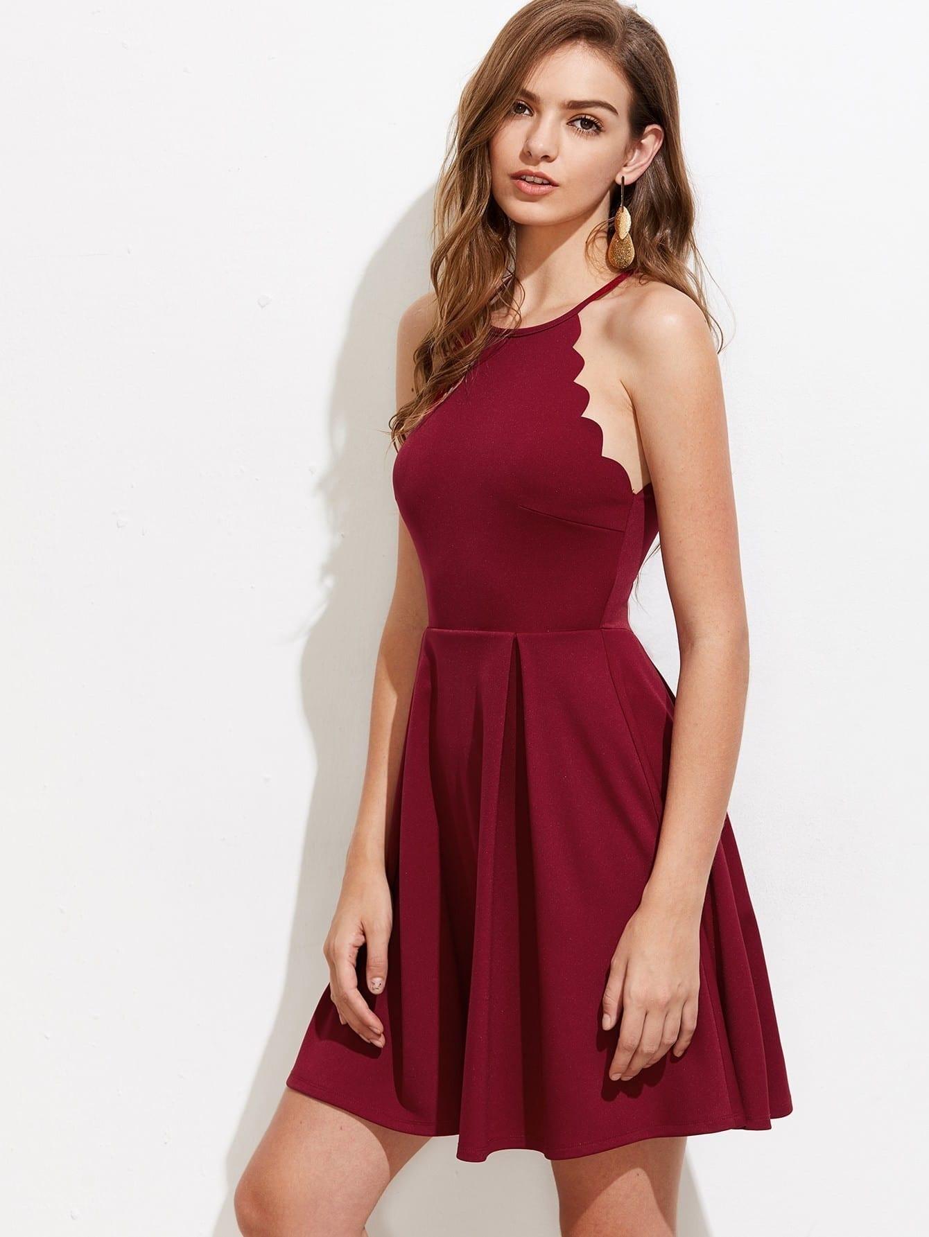 Фото Scallop Edge Box Pleated Dress. Купить с доставкой