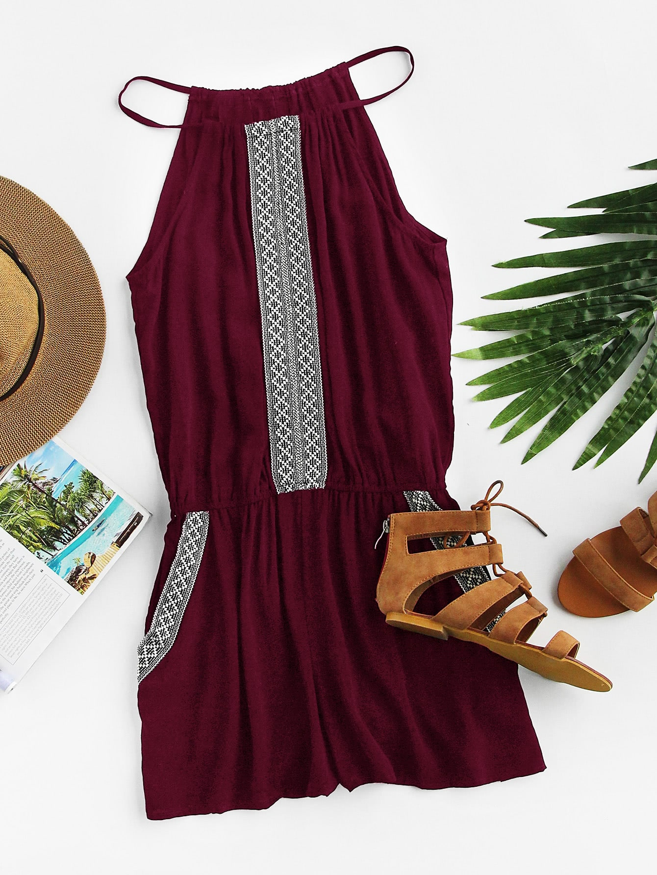 Фото - Модный комбинезон на бретельках с вышивкой от SheIn бордового цвета