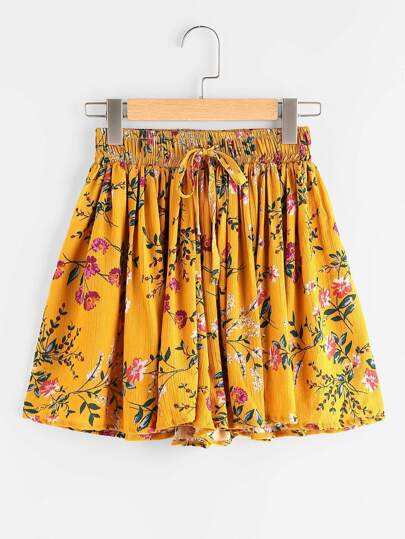 Ditsy Print Drawstring Waist Pleated Shorts