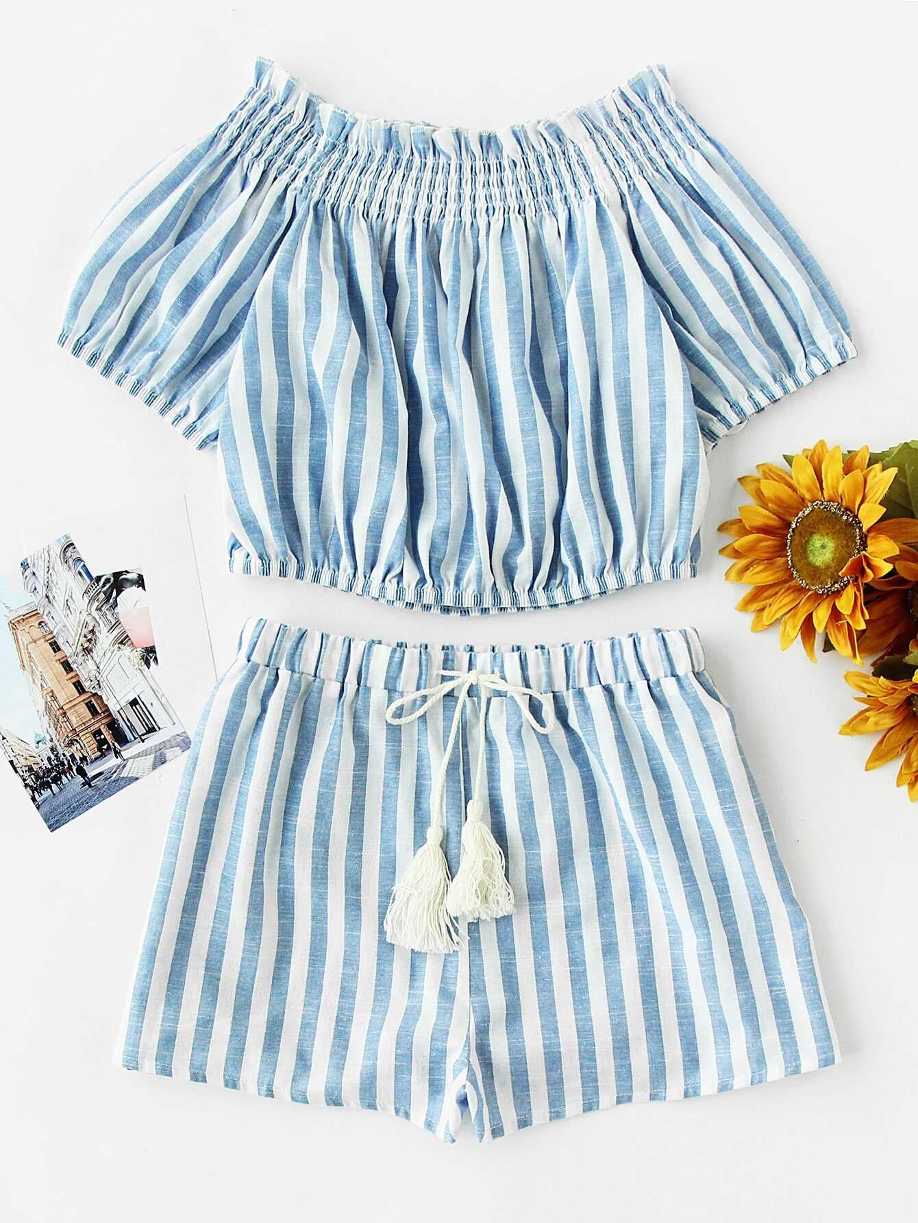 Фото Smocked Off Shoulder Top And Tasseled Tie Shorts Set. Купить с доставкой
