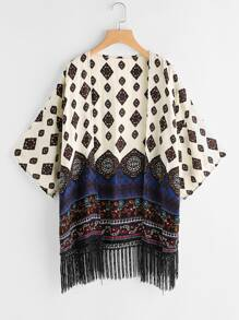 Kimono mit Aztischmuster, sehr tief angesetzter Schulterpartie und Fransen
