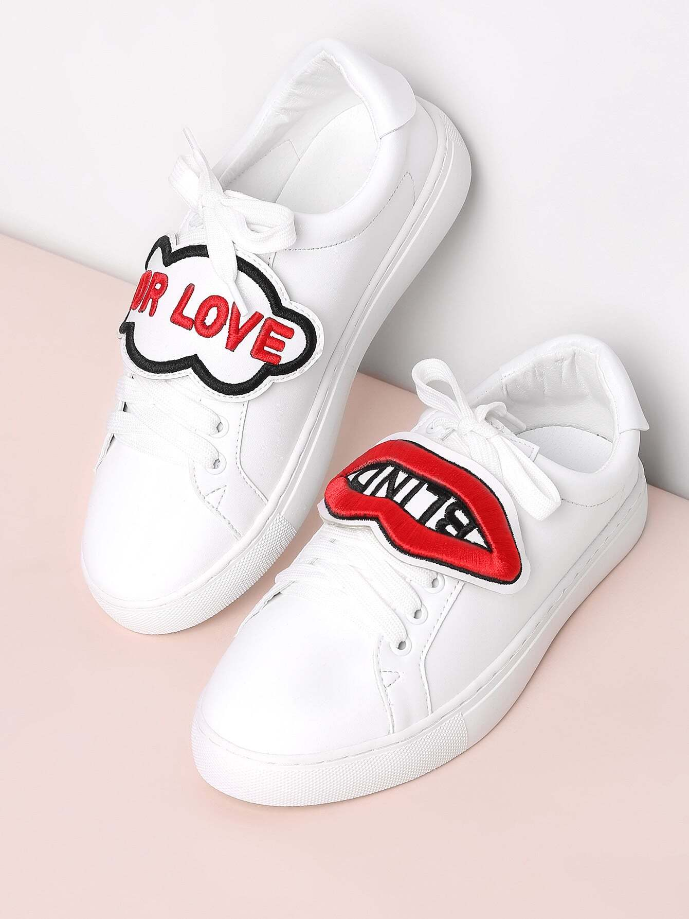 Lip And Letter Embroidery Lace Up Sneakers