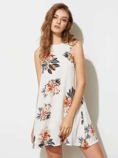 Flower Print Buttoned Keyhole Back Flowy Dress