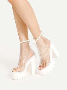 Zapatos de tacón cuadrado con diseño de transparencia