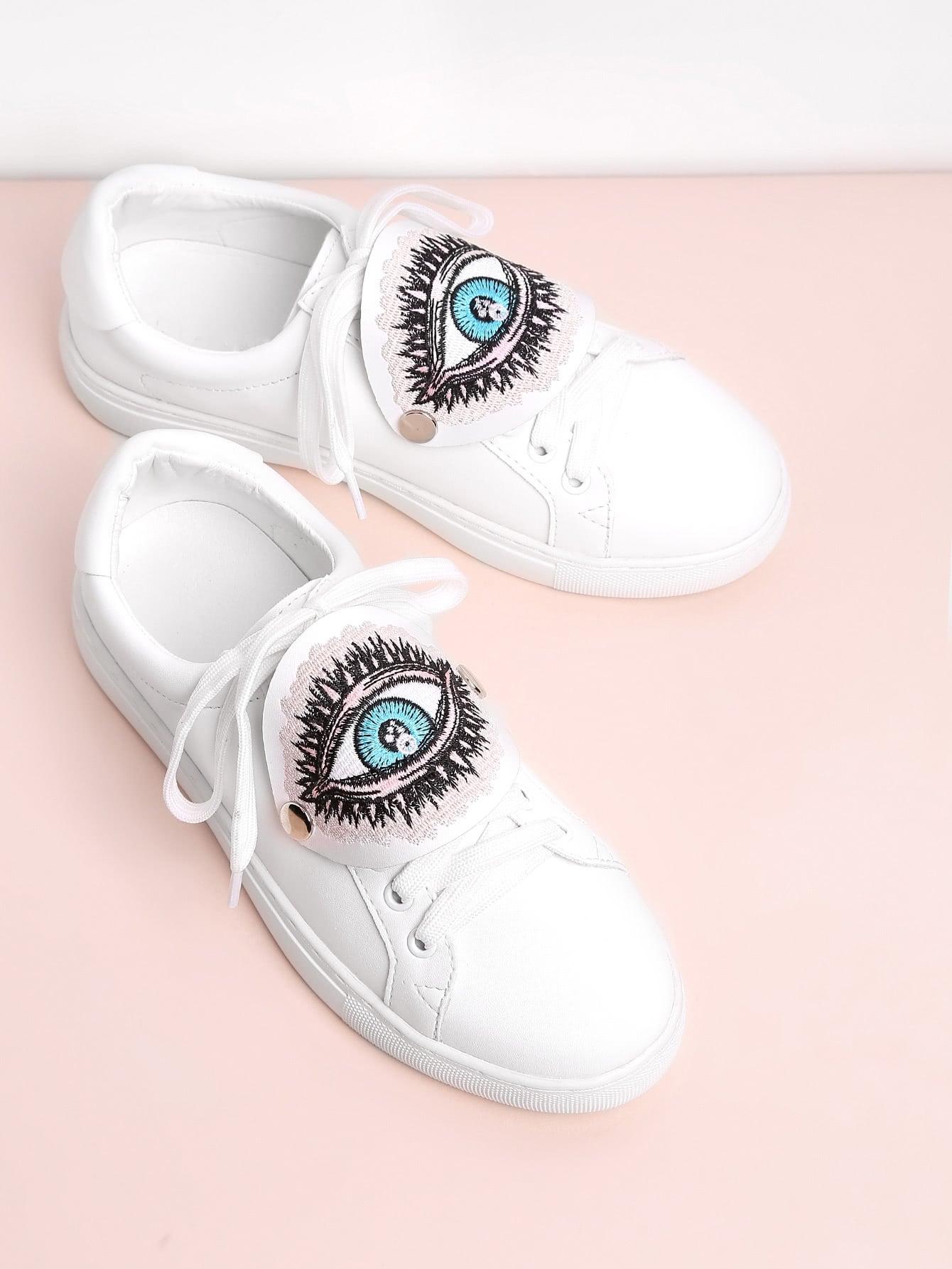 Фото Eye Embroidery Lace Up Low Top Sneakers. Купить с доставкой