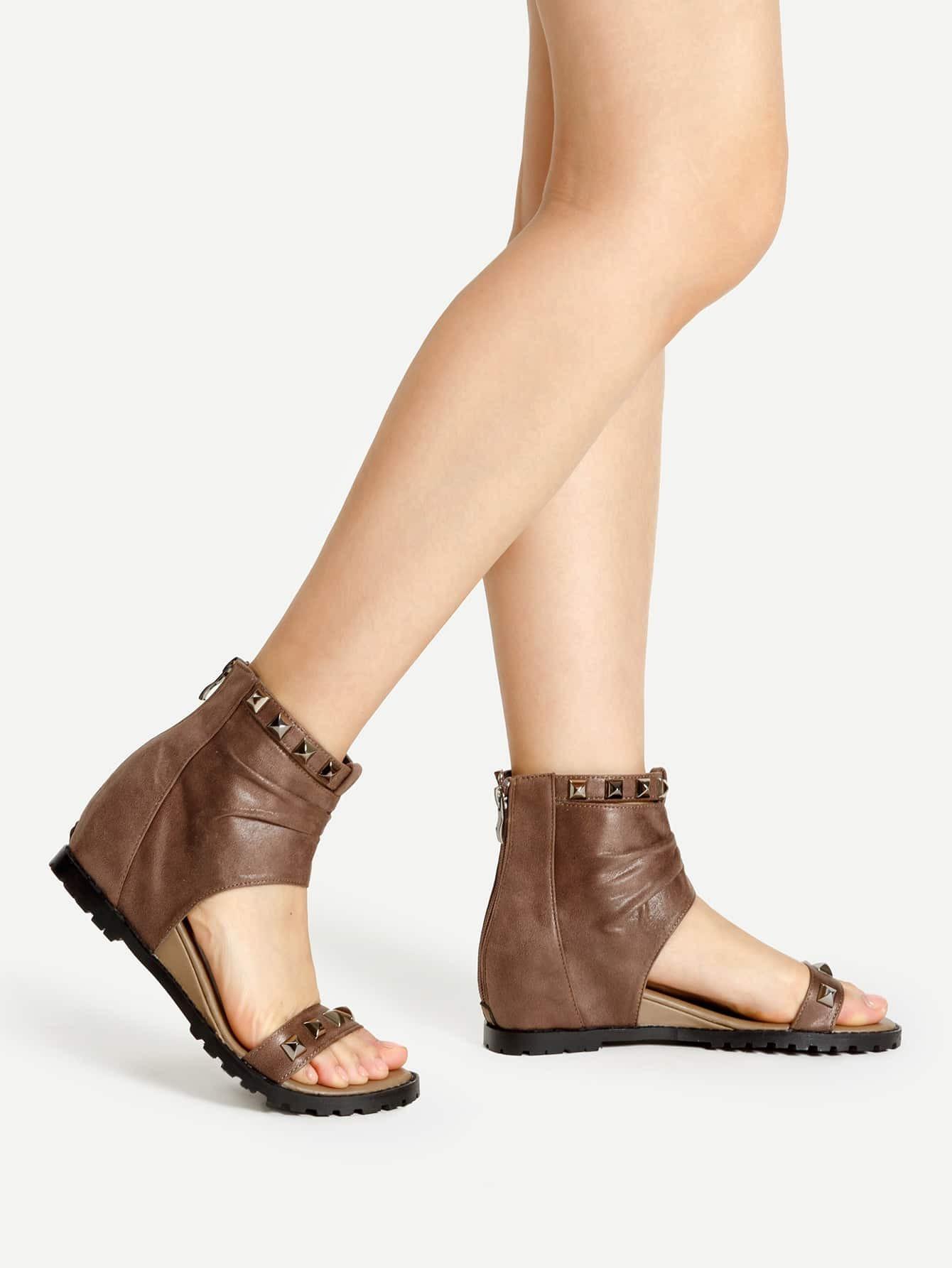 Фото Studded Embellished PU Block Heeled Sandals. Купить с доставкой
