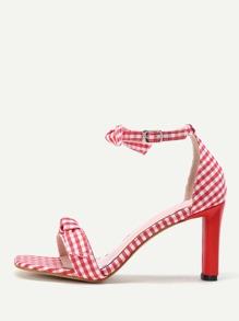 Модные клетчатые сандалии на каблуках с бантом