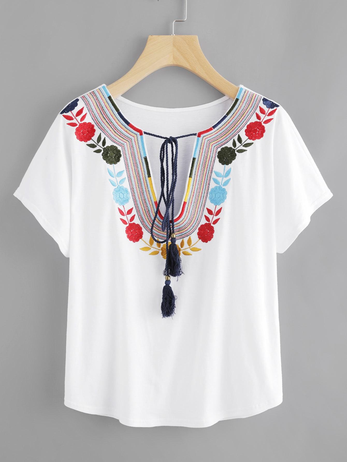 Фото Tasseled Tie Embroidered Plunge Neck Tee. Купить с доставкой