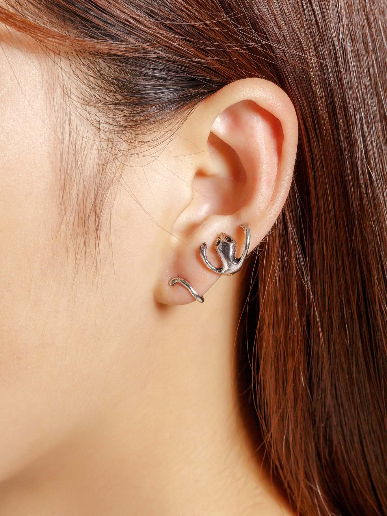 Metal Gecko Design Ear Crawler 1pcs